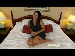 Brunette milf does her crafty grown up video