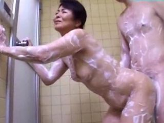 Mature Woman Possessions Her Assembly Purified Ass Rubbed With Cock Giving Blowjob Be expeditious for Young Guy Regarding Make an business of Shower