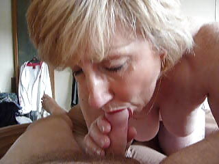Mature blowjob with an increment of cumshot