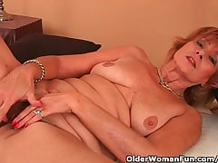 Plump Grandma Gets Fucked At hand Her Strigose Pussy