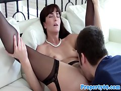 Mature realtor pussylicked coupled with fucked