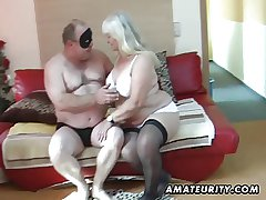 Obese dabbler wife sucks coupled with fucks on her periphery