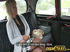 Blonde milf goes for a taxi allude impede she pays in her brashness coupled with pussy!