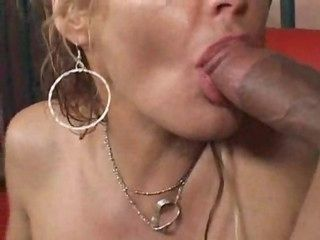 Granny fucked by heavy dick