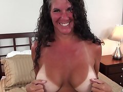 Texas MILF with big tits kickshaws lines