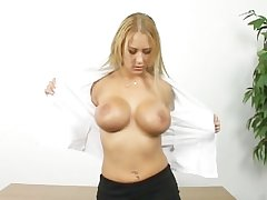 Sexy grown-up blonde shows how she masturbate
