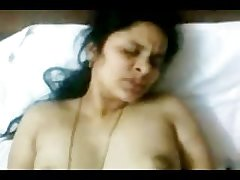 Hot INDIAN TELUGU Aunty Sudha's shagging CLIP 2