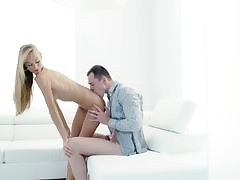 Alexis Fawx loves roughly drag inflate cock