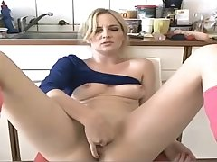 Milf plays in the air the brush pussy on cam