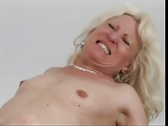Mature blonde get eaten out then fucked