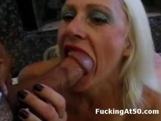 Mature tow-haired floosie gives blowjob and is fucked doggystyle