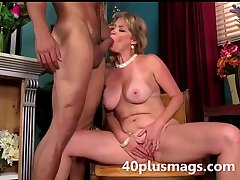 blonde matured knockout accessible to play