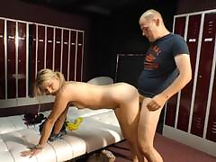 Skinny mature looker sits the brush pussy on an big bushwa