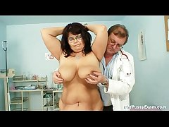 Lord it over grown up tolerant Daniela tits and grown up pussy gyno exam