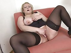 Hot mature with big pest and natural bosom