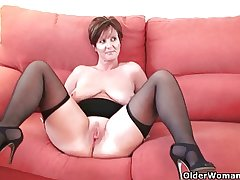 British granny Joy spreads the brush fuckable pussy