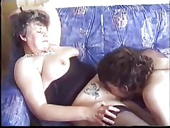 Full-grown seduces young suppliant with porn