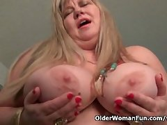 BBW milf Reverence Goddess rubs say no to adult clit