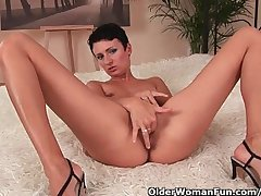 Swanky mature mama with constant nipples fucks herself with a dildo